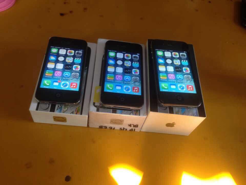 iphone 4 dan 4s 16gb black FU mulus surabaya gresik