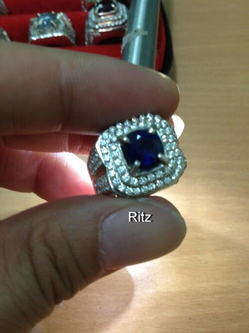 ROYAL BLUE SAPPHIRE (Similiar KHASMIRE)