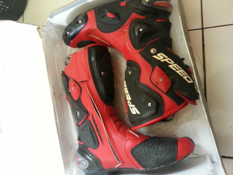 Terjual Dijual Sepatu booy Touring hitam Merah Balap merek Speed ... 88bb23af95