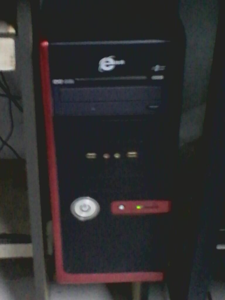 Dijual CPU Pentium 4 2.4GH LANCAR