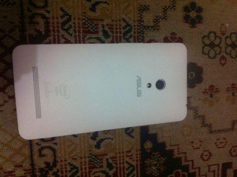 ASUS ZENFONE 5 2GB WHITE 2ND BARU BELI TLG 10-08-2014 COD BANDUNG