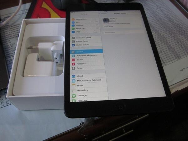 Jual Ipad mini 1st Gen 16GB warna hitam 95% mulus