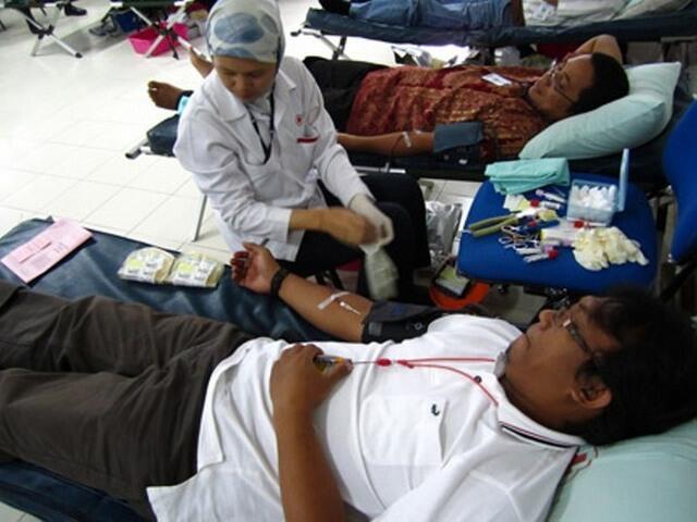 Mengapa Donor Darah Gratis Tapi Penerimanya Harus Bayar?