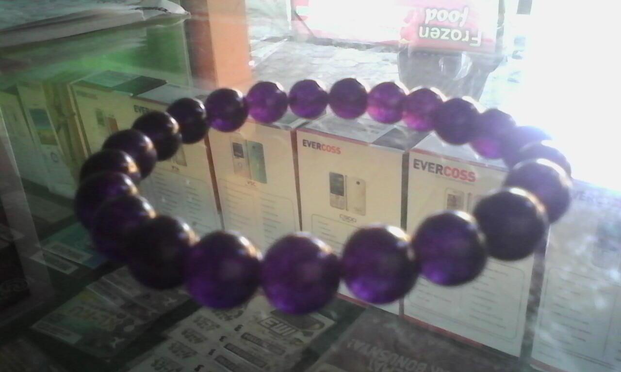 gelang batu kecubung ungu