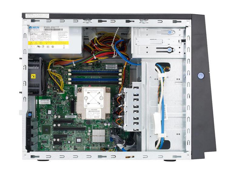 IBM System X3100M4-B2A