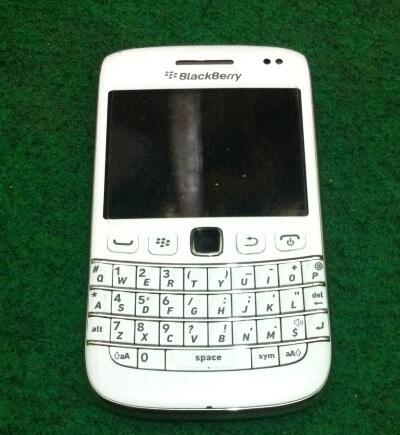 Blackberry Bb Belagio 9790 Putih 95% Mulus, Malang