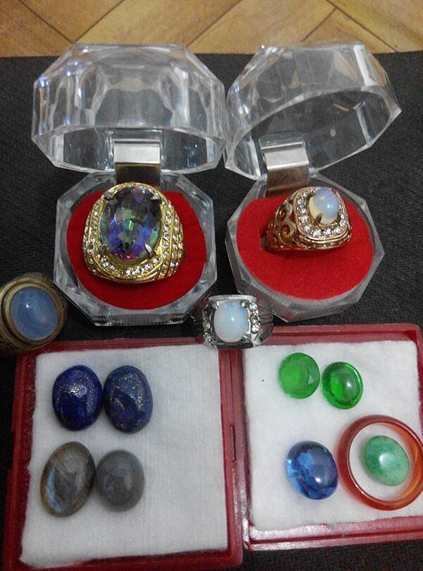 Batu Permata zamrud mystic quarts kalimaya lazuli labrodite giok yahman king safir
