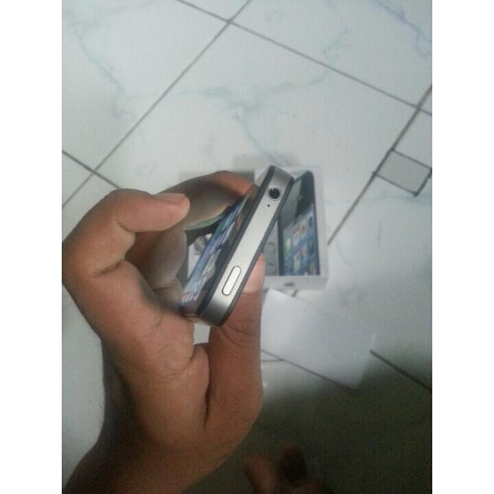 jual iphone 4s 64gb black mulus FU gresik surabaya