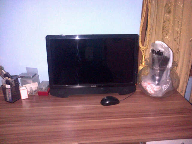 Jual CPU Intel E2140 1.60 GHz + Monitor Dell 21.5 Touchscren