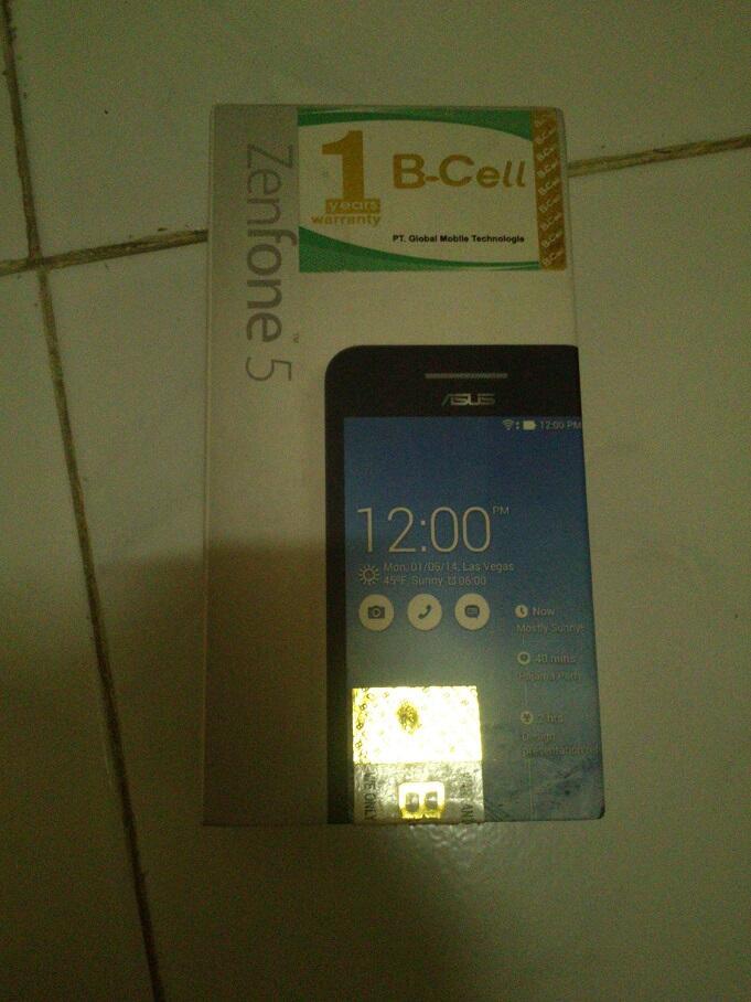 BNIB Asus Zenfone 5 2gb 16gb white