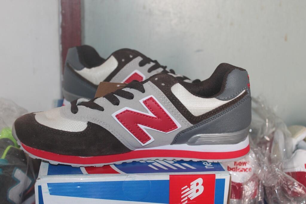 Terjual  Cuci Gudang  Sepatu Adidas 017db24b50