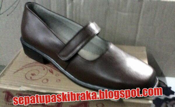 sepatu kulit wanita untuk paskibraka & sepatu kulit ukuran anak-anak