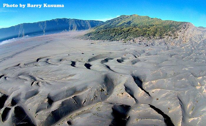 Melihat sisi lain Keindahan Gunung Bromo dari Udara..
