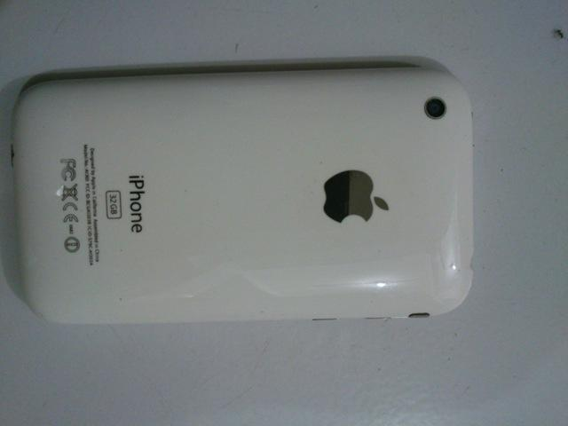 IPHONE 3GS 32GB WHITE BATANGAN