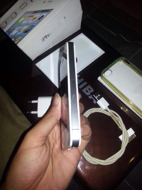 Iphone 4s Fu GSM 16GB Putih Bandung
