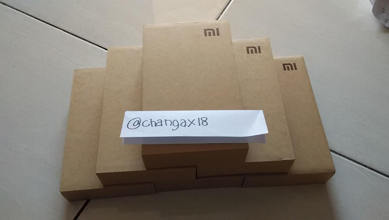 Xiaomi Mi4 16GB White / Redmi Note Enhanced / Powerbank Xiaomi Original
