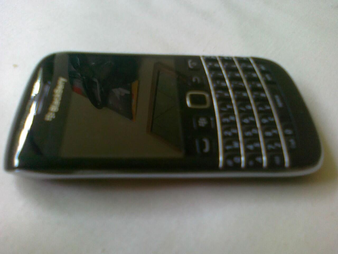 Blackberry Bold Bellagio 9790 Onyx 3