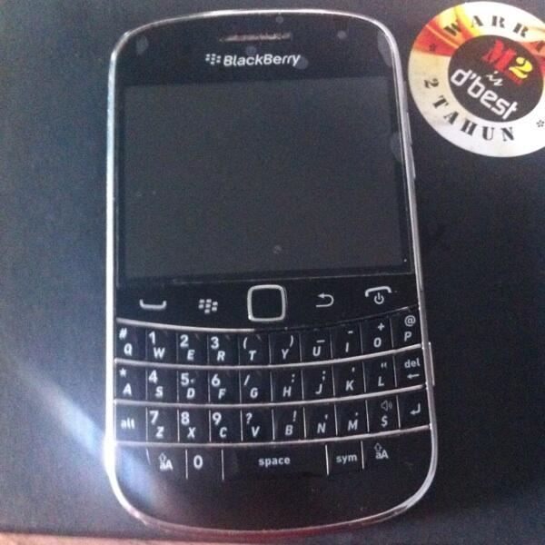 Jual Blackberry Montana 9930 Hitam Mulus