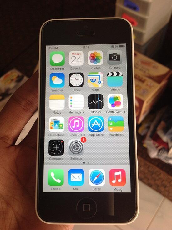 Iphone 5C 16GB White FU Lengkap Garansi Apple International 96% Mulus