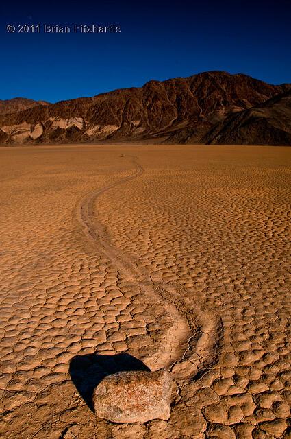 Misteri `Batu Berjalan` di Lembah Kematian Terkuak