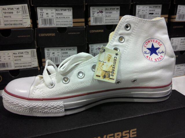 Terjual Sepatu Converse