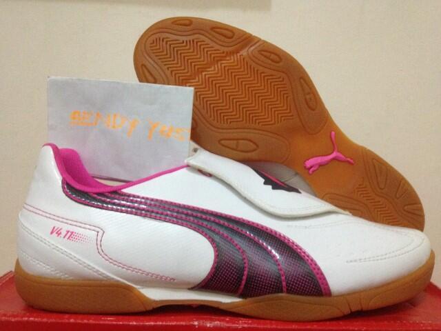 Sepatu Futsal Puma V4.11 IT&TT Baru 100% Original cuma Rp 200rb Habisin Stok Aja Gan!