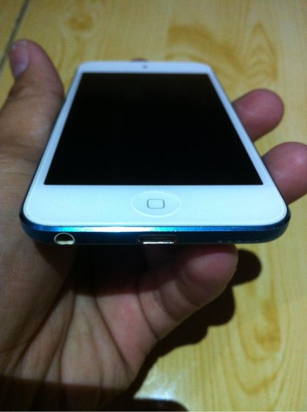 WTS iPod Touch 5th Gen 32GB Blue!