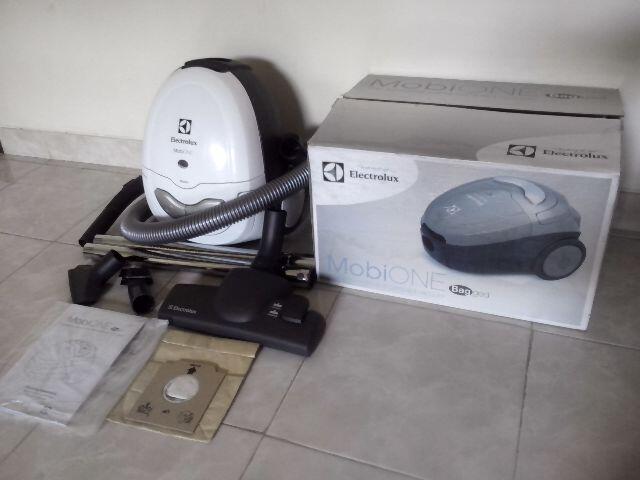 DIJUAL MURAH Vacuum Cleaner Electrolux (ZMO-1510 MobiOne)