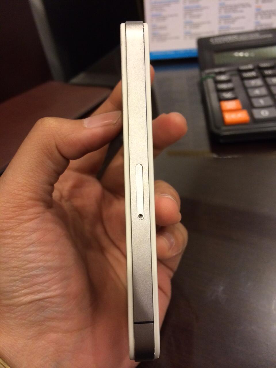 WTS iphone 4 16 GB White COD Jakarta