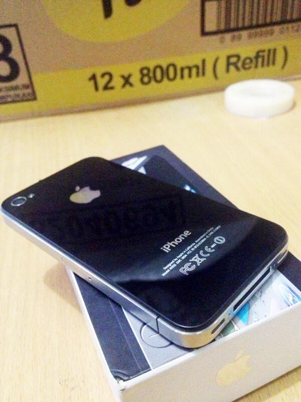 JUAL CEPET IPHONE 4 16GB FU BLACK SECOND FULLSET CONDITION 95% TURUN HARGAAAA!!!