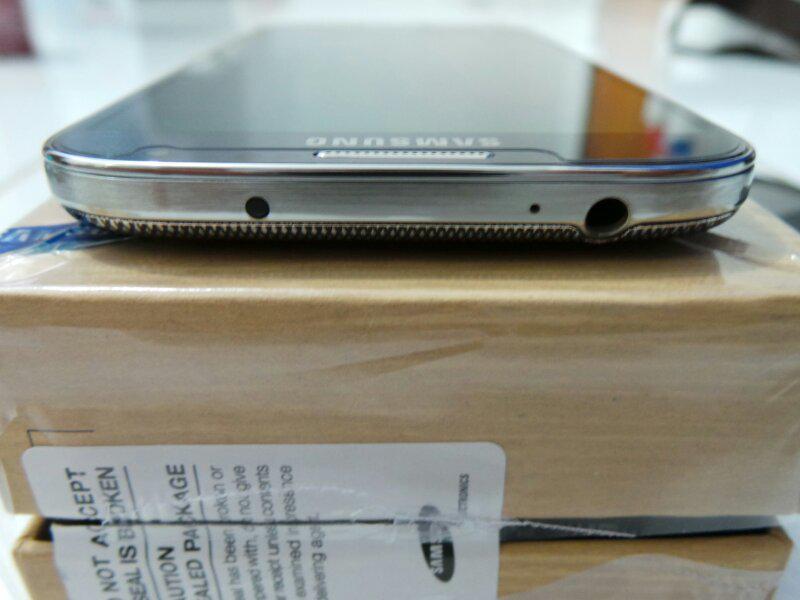 Samsung S4 black mulus 99.9% masih garansi SEIN istimewa Bandung