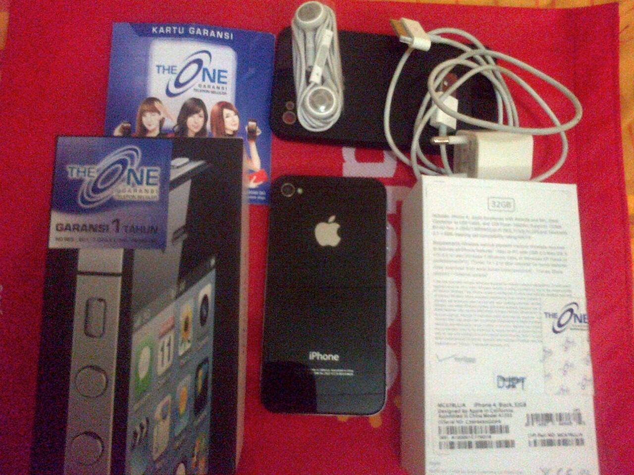 IPHONE 4 BLACK CDMA 32 GB, ORI, BNOB, 99,99% , GRS THE ONE