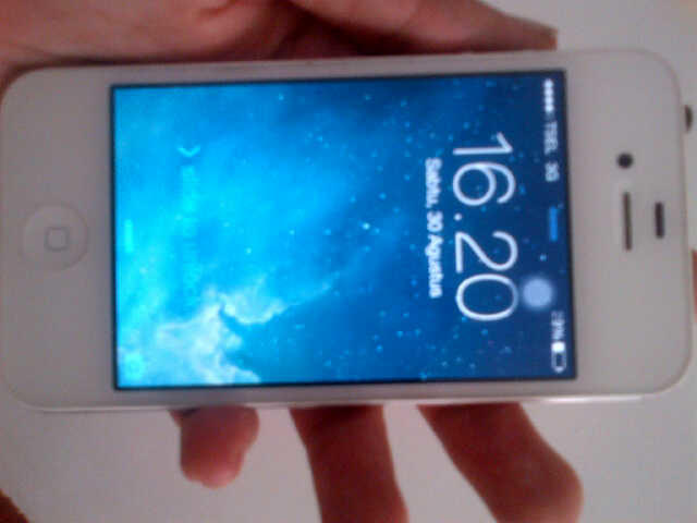 [JUAL] Iphone 4s 8GB White (Fullset) ISTIMEWA