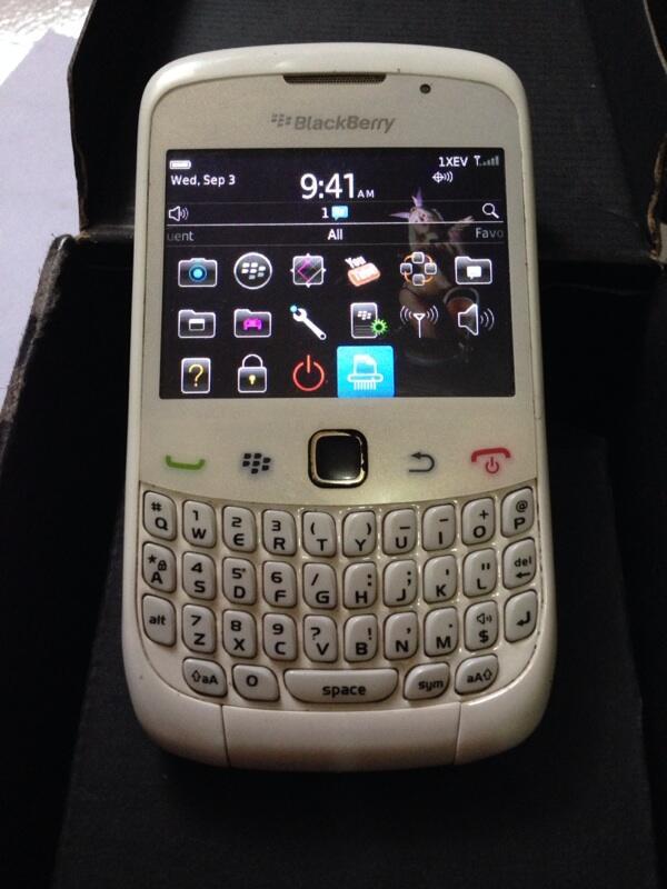 Blacberry 9330 jupiter VS nokia N-gage Classic sepaket BU