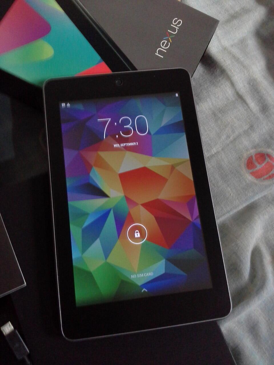 Asus Nexus 7 3G Cellular 32 GB, Fullset, Nggak pake mahal, Bandung, masuk dulu gan..