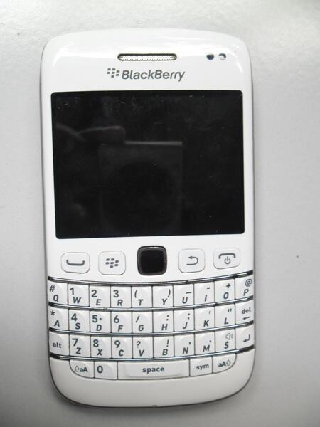 BLACKBERRY / BB BOLD 9790 BELAGIO RUSAK MATI TOTAL