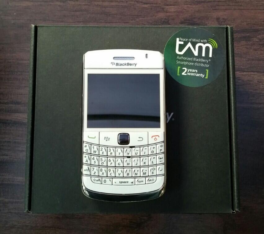 BlackBerry Onyx 2 / BB 9780 White Ex Garansi Resmi TAM Full Set
