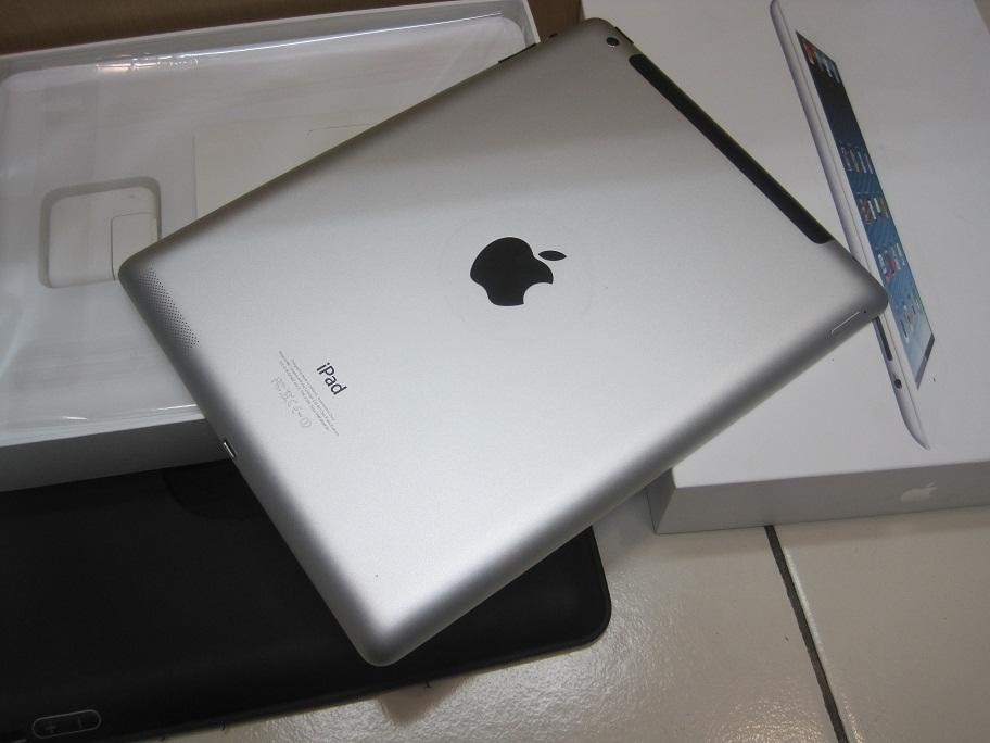 IPAD 4 wifi Celluler 64Gb warna putih , mulusss , [ fulset & murah ]