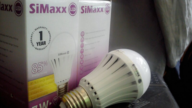 LAMPU LED 7 WATT - SOLUSI LISTRIK HEMAT RAMAH LINGKUNGAN
