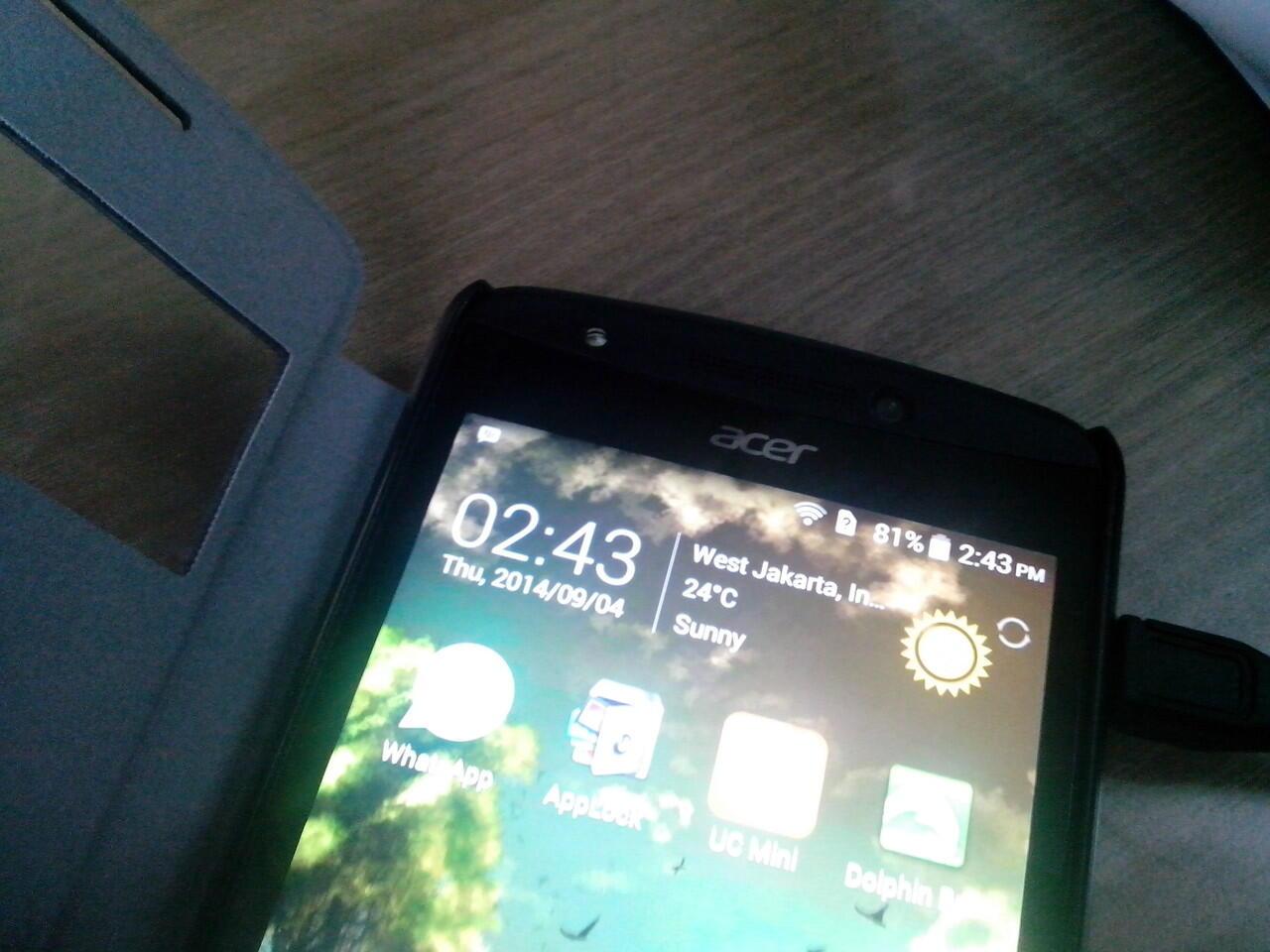 Hp Acer E700 5'' ram 2gb int 16gb triple sim batre 3500mAh