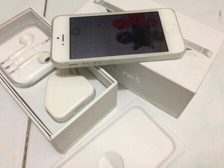 [SALE] Iphone 5 32GB White (apa adanya)