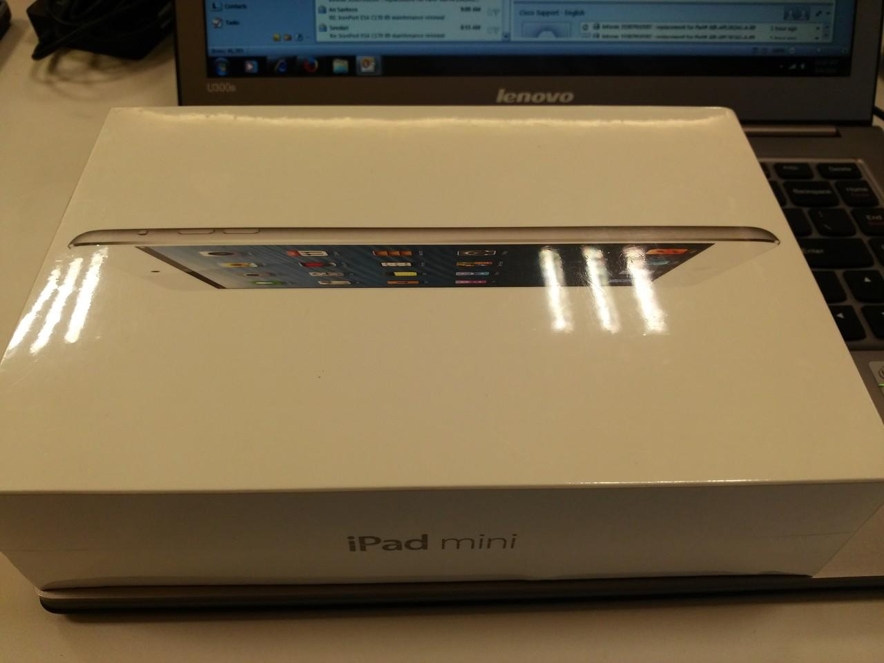 BNIB IPad Mini 16GB Wifi White