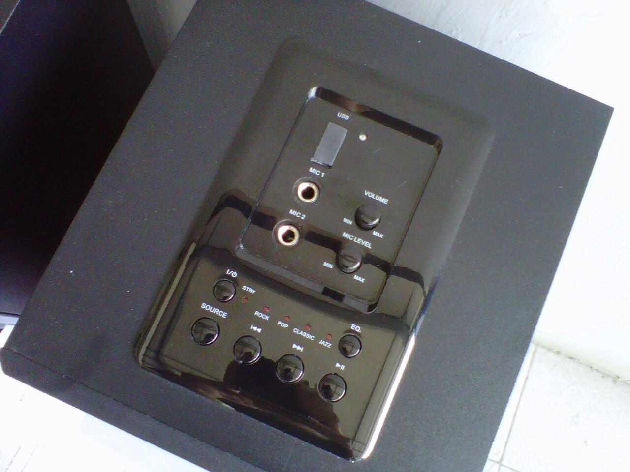 Terjual SPEAKER AKTIF POLYTRON PAS 21B UMP3MICROPHONE
