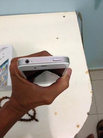 Iphone 16gb 4s white mulus bukan rekondisi