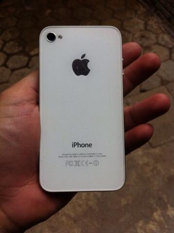 Iphone 4g 8gb white mulusssss, pondok gede