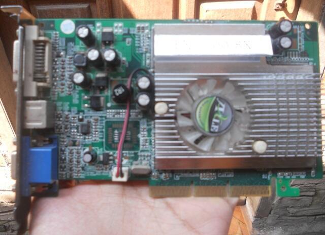 VGA AGP Nvidia Geforce FX 5500 8x 256mb