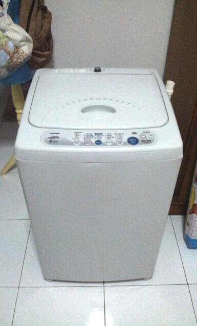 Mesin Cuci Toshiba Full Auto 7KG (AW-F74E) - Baru Dipakai 5x!!