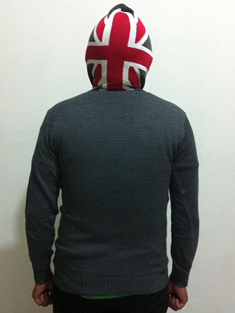 Sweater rajut motif bendera inggris