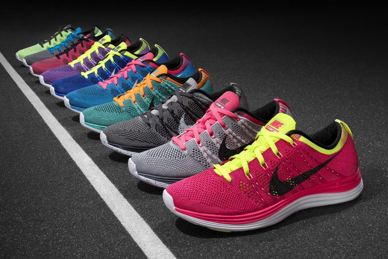 Running Puma Terjual Olahraga Man Adidas Reebok sepatu Nike qnFzFrYR 48a94e44f6
