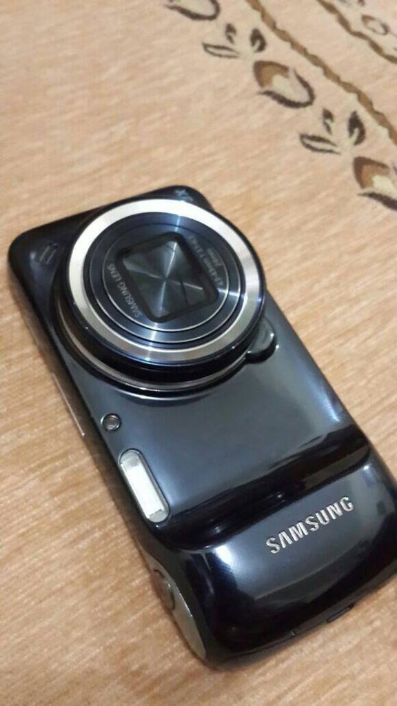 Samsung Galaxy S4 Zoom & Gear Fit (Bogor, BSD, Jkt)